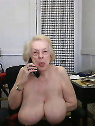 Insatiable old ladies are posing nude on photo