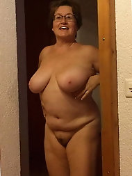 Smiling older grandmama likes to take the cock in mouth