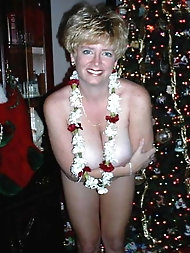 Blonde old gilfs are posing seminaked for fun