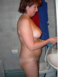 Mature Granny at Home Full Naked -2