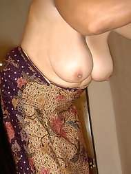 Glamour mature G-I-L-Fs like oral sex so much