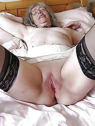 Cock addicted mature girls are masturbating themselves